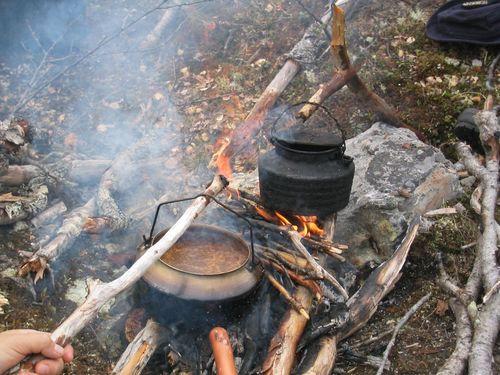 Kaffekjel over bålet