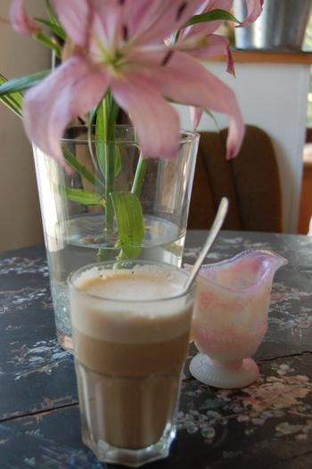Caffe_latte_at_caf_filter